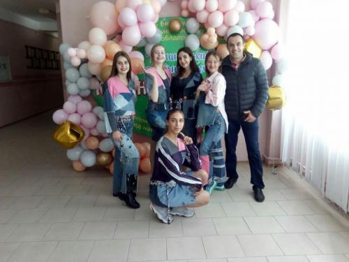 photo5307607064572439858